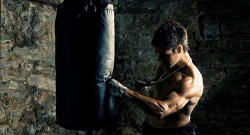 Come definire gli addominali con l'allenamento prepugilistico